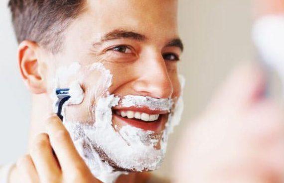 Comment se raser parfaitement le visage?